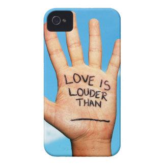El amor es una caja más ruidosa del teléfono de la iPhone 4 coberturas