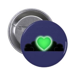 El amor es una luz en la oscuridad - corazón verde pins