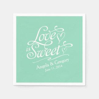 El amor es verde menta dulce de la comida fría del servilletas de papel