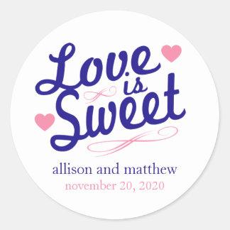 El amor es viejas etiquetas dulces de Fashioined Etiqueta Redonda