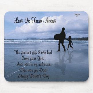 El amor espléndido está desde arriba - padre y niñ tapetes de ratones