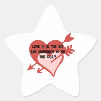 ¡El amor está en el aire y la boda está en la Pegatina En Forma De Estrella