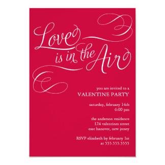 """El """"amor está en fiesta elegante del día de San Invitación 12,7 X 17,8 Cm"""