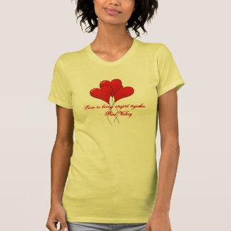 El amor está siendo estúpido junto camisetas