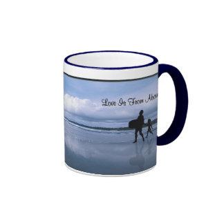 El amor extraordinario está desde arriba - padre y taza de dos colores