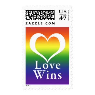 El amor gana el arco iris del corazón sello postal