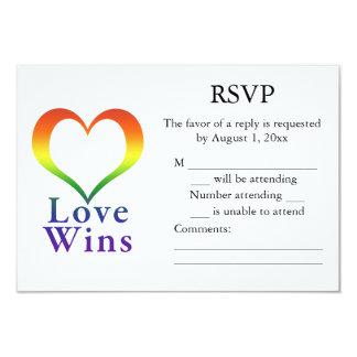 """El amor gana el corazón RSVP del arco iris Invitación 3.5"""" X 5"""""""