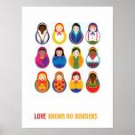 El amor multicultural de las muñecas de la jerarqu poster