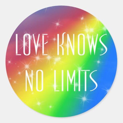 El amor no sabe ningún límite etiqueta redonda