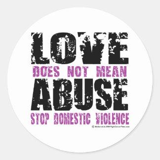 El amor no significa abuso etiqueta redonda