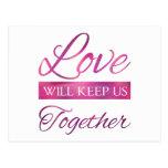 El amor nos guardará juntos postal