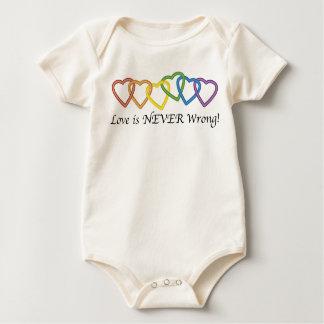 El amor nunca es cadena incorrecta de corazones mameluco