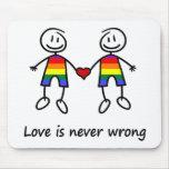 El amor nunca es incorrecto alfombrilla de raton