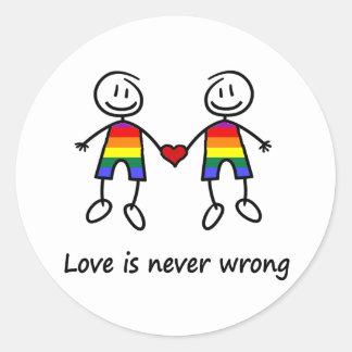 El amor nunca es incorrecto pegatina redonda