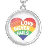 El amor nunca falla el collar