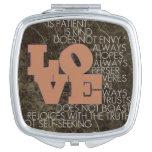 El amor nunca falla el espejo compacto