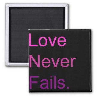El amor nunca falla imán cuadrado
