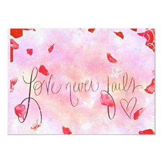 """El """"amor nunca falla"""" la invitación del boda"""