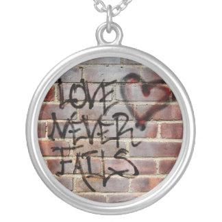 El amor nunca falla la pintada colgante redondo