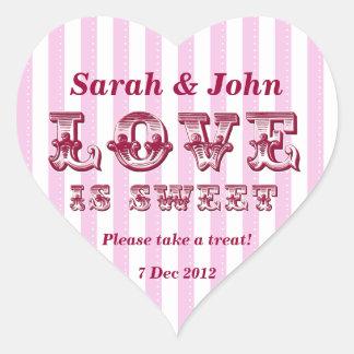 El amor rosado y blanco es pegatina dulce de la