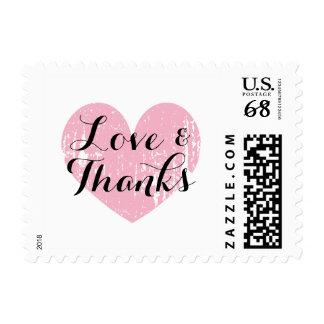 El amor rústico rosado del corazón del vintage y sellos postales