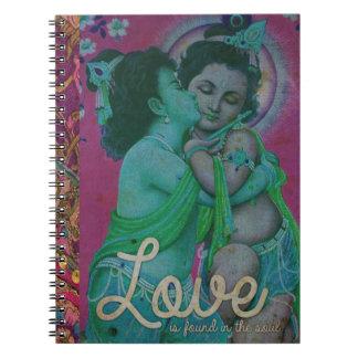 El amor se encuentra en el cuaderno del alma