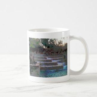 El amor tiene gusto de la agua corriente taza de café