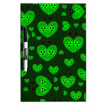 El amor verde fastidia diseños tableros blancos
