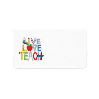 El amor vivo enseña etiquetas de dirección
