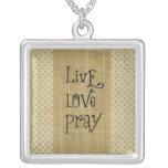 El amor vivo ruega la afirmación cristiana de la joyerías