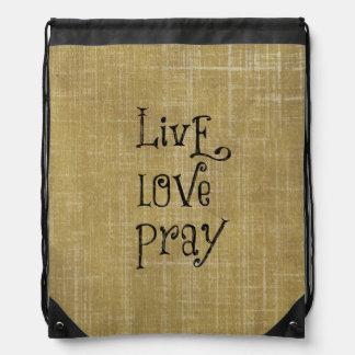 El amor vivo ruega la afirmación cristiana de la mochilas