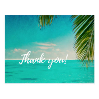 El amor y el boda de playa le agradecen las tarjeta postal
