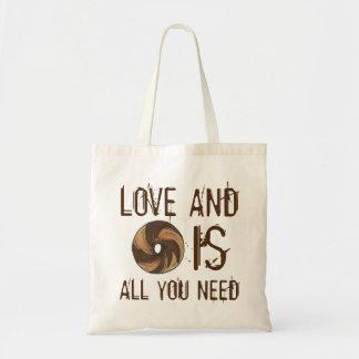 El amor y los panecillos es todo lo que usted