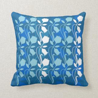 El amortiguador azul de la impresión floral, 2 de almohadas