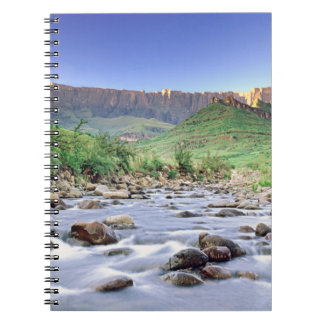 El Amphitheatre y el río de Tugela en Drakensberg Libro De Apuntes