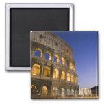 el ampitheatre de Colosseum iluminado en la noche Imán Cuadrado