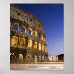 el ampitheatre de Colosseum iluminado en la noche Impresiones