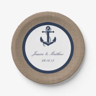 El ancla de la marina de guerra en la colección de platos de papel