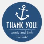El ancla del barco le agradece las etiquetas (azul pegatina redonda
