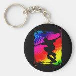 El andar en monopatín en Grunge del arco iris Llaveros Personalizados