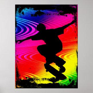 El andar en monopatín en Grunge del arco iris Póster