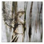 El ángel camina con el invierno Trivet Teja Ceramica