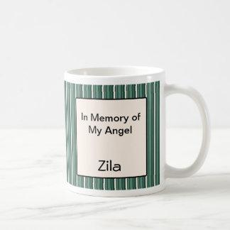 El ángel de la chihuahua persigue el recuerdo de l tazas de café