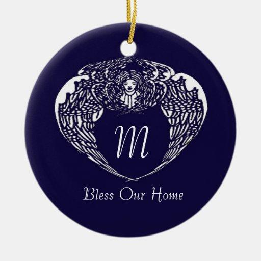 El ángel de Nouveau bendice nuestro ornamento Ornamento Para Arbol De Navidad