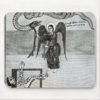 El ángel, llevando a cabo las llaves del infierno mouse pads