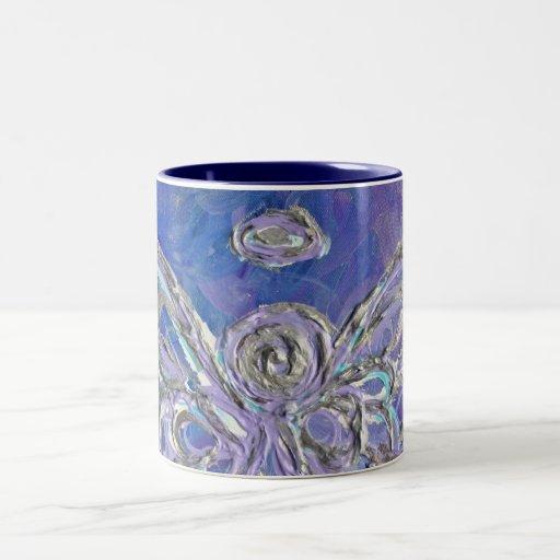 El ángel púrpura se va volando la taza o la taza