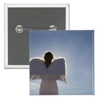 El ángel que lleva de la mujer se va volando la v pins