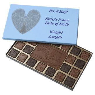 El ángel se va volando el corazón que es un caja de bombones variados con 45 piezas
