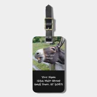 El animal del campo divertido de la mula del burro etiqueta para maleta