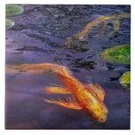 El animal - pescado - allí es algo sobre koi tejas  cerámicas